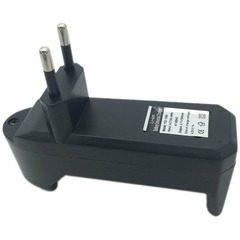 Incarcator pentru acumulator si baterie reincarcabila 3.7V 500mA Li-ion UltraFire 18650 C54